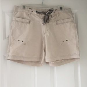 Great everyday shorts by Columbia